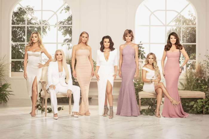Lisa Vanderpump Refused To Pose For Official RHOBH Cast Picture - Was Photoshopped In!