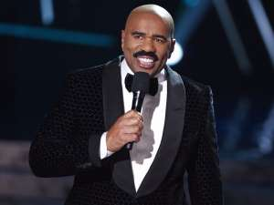 Miss Costa Rica Disses Steve Harvey On Stage For His 2015 Blunder - Check It Out Here