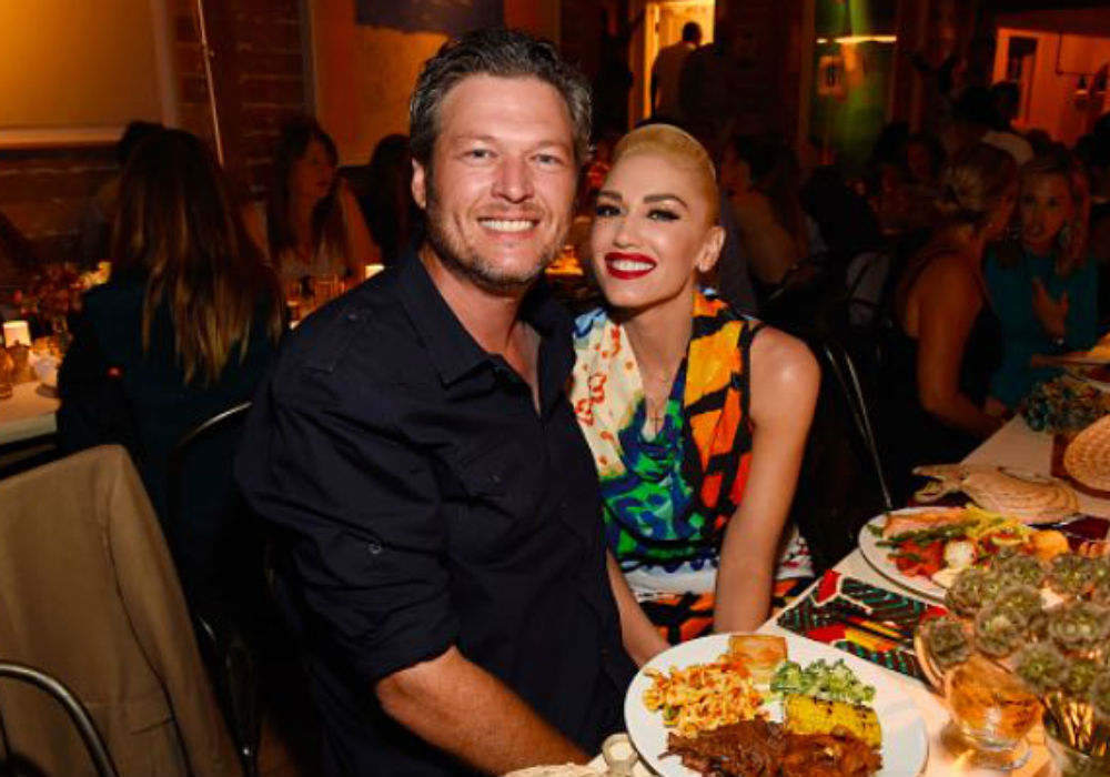 Watch Blake Shelton And Gwen Stefani Celebrate The Holidays With Her Boys