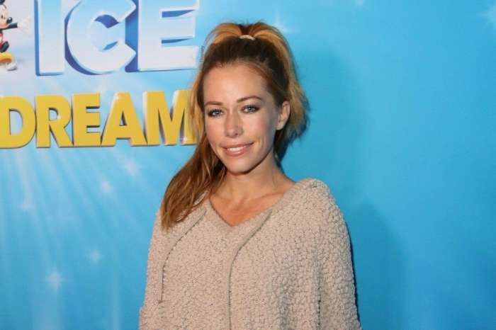 Kendra Wilkinson Talks About Potential New Year's Eve Kiss After Split From Hank Baskett!