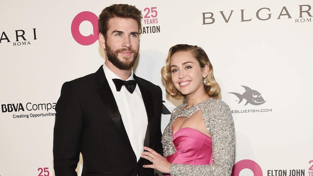 Miley Cyrus And Liam Hemsworth Tie The Knot In Secret ...