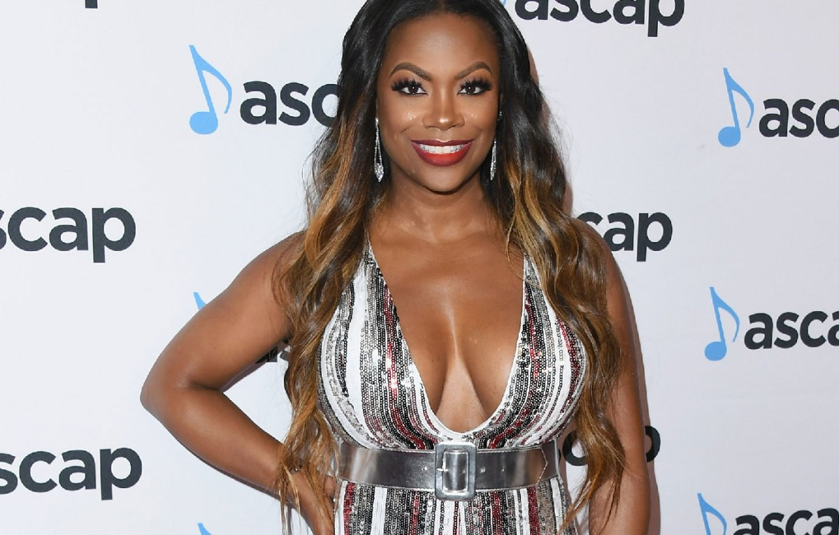 """kandi-burruss-got-back-from-jamaica-and-she-is-already-missing-the-hot-weather-she-invites-everyone-at-old-lady-gang-restaurant-for-nye"""
