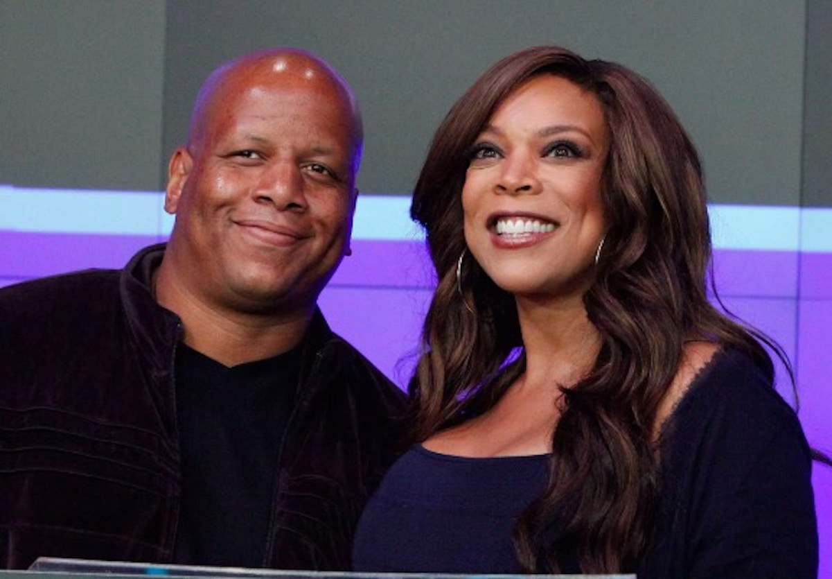 wendy williams amused by her husband s cheating rumors their