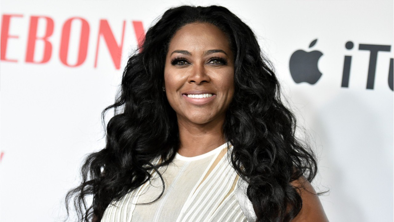 Kenya Moore's Latest Photo With Baby Brooklyn At Six Weeks Old Melts Her Fans' Hearts