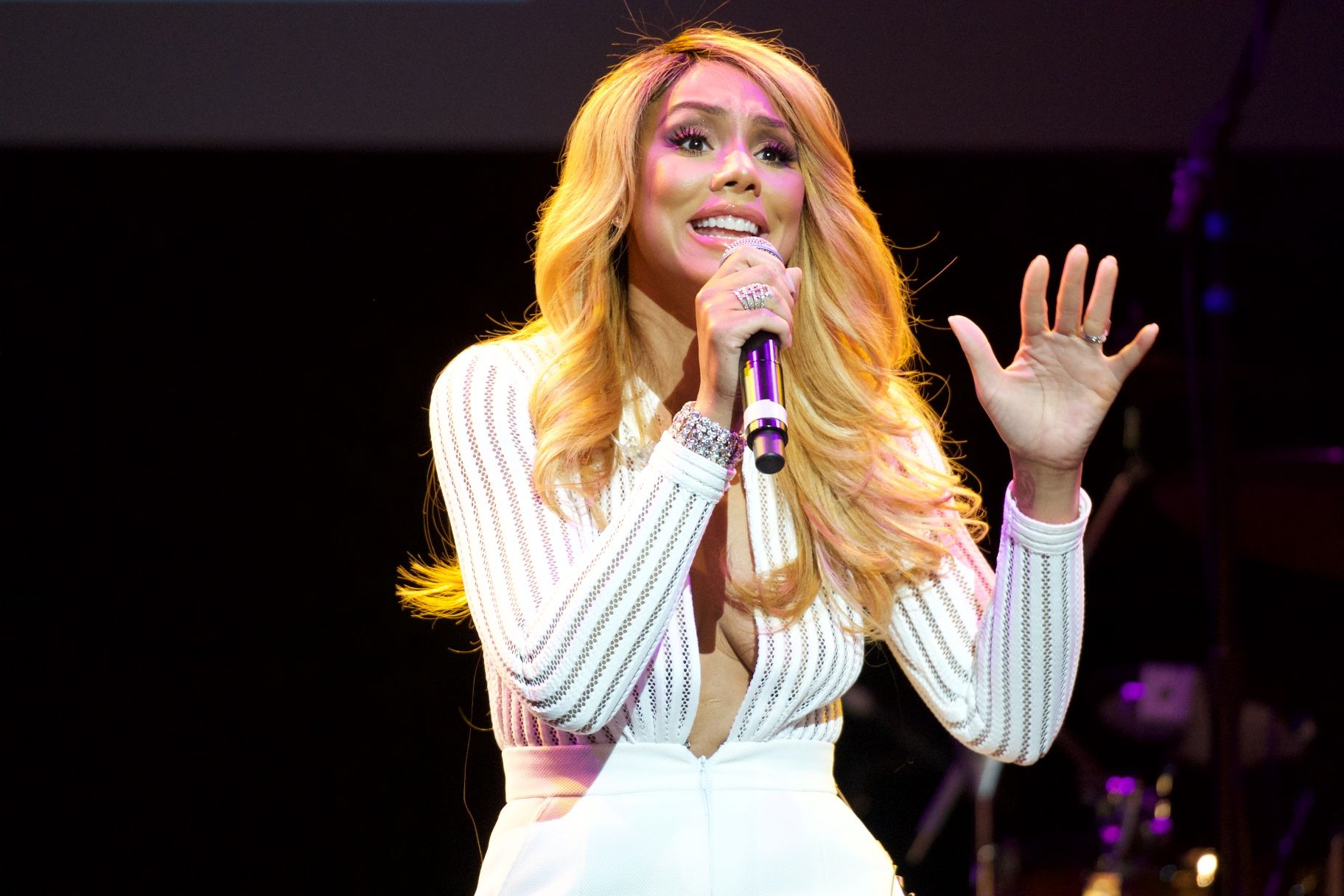 Tamar Braxton Shares A Video From One Of Her Concert's And Calls Herself 'Superwoman'