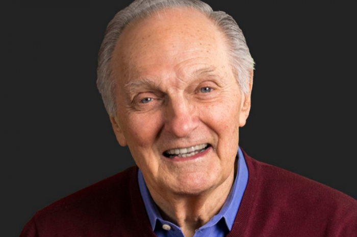 Alan Alda To Receive Lifetime Achievement Recipient Award At SAG Awards Sunday
