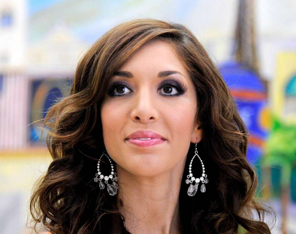 """farrah-abraham-suffers-backlash-after-she-posted-a-photo-of-her-9-year-old-dancing-in-underwear"""