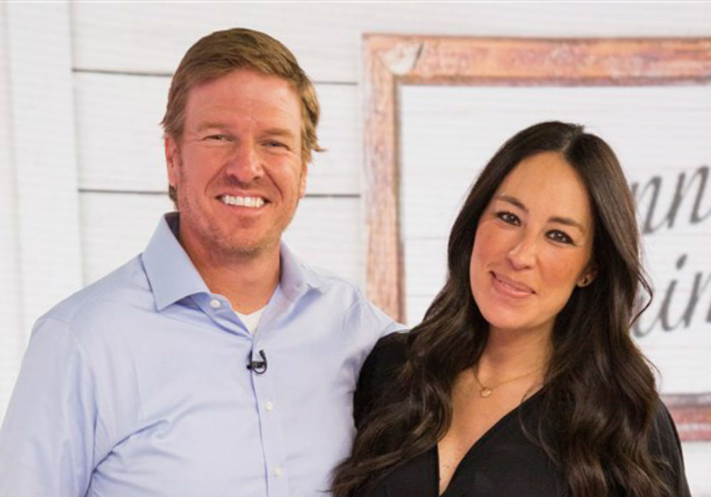 """fixer-upper-stars-chip-and-joanna-gaines-slammed-by-fellow-hgtv-stars"""