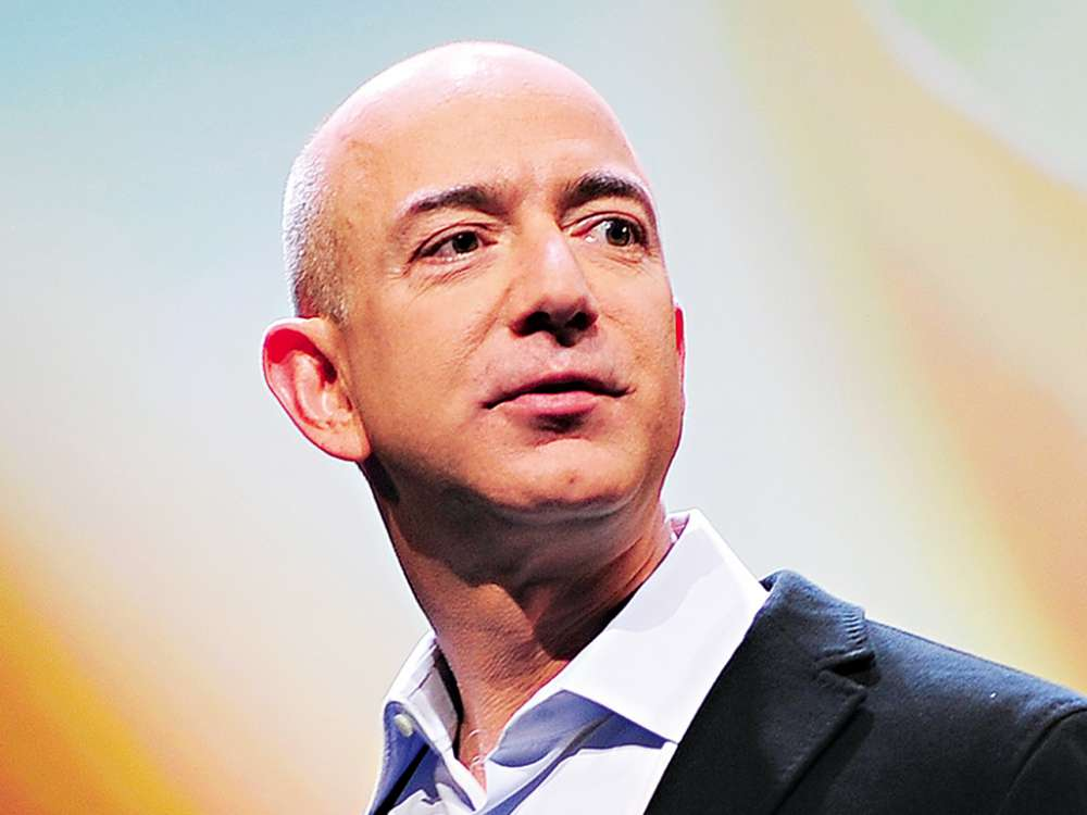 """amazon-ceo-and-richest-man-of-the-world-jeff-bezos-divorces-wife-of-25-years-following-cheating-scandal"""