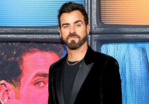 Justin Theroux Spotted Getting Cozy With A New Hollywood A-Lister After Angelina Jolie Rumors