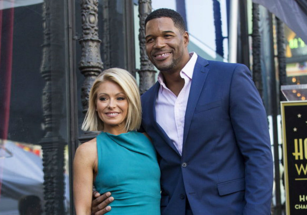 """""""kelly-ripa-and-michael-strahan-still-dont-speak-years-after-he-ditched-her-for-gma"""""""