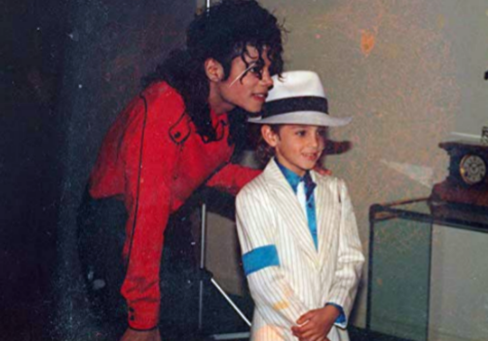 """""""leaving-neverland-is-leaving-viewers-sick-michael-jackson-sexual-abuse-allegations-by-wade-robson-and-jimmy-safechuck-subject-of-hbo-documentary"""""""