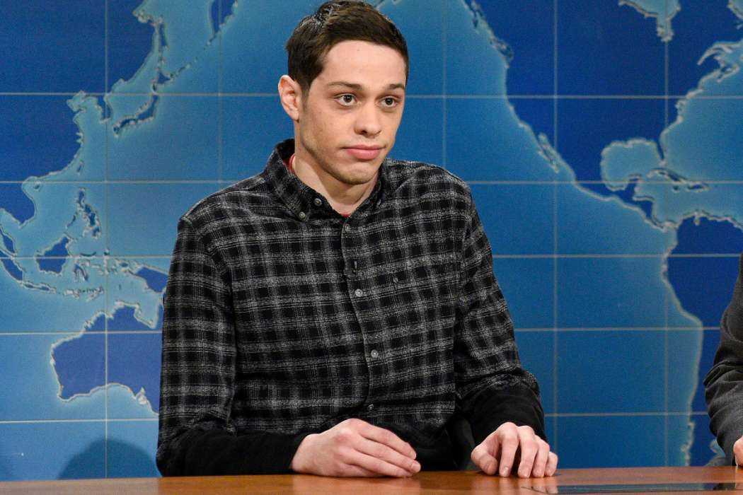 """pete-davidson-says-that-louis-ck-tried-to-get-him-fired-from-saturday-night-live"""