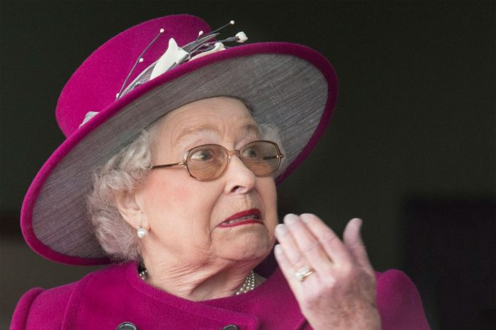 Queen Elizabeth Shocks Fans When She's Spotted Without A Seatbelt