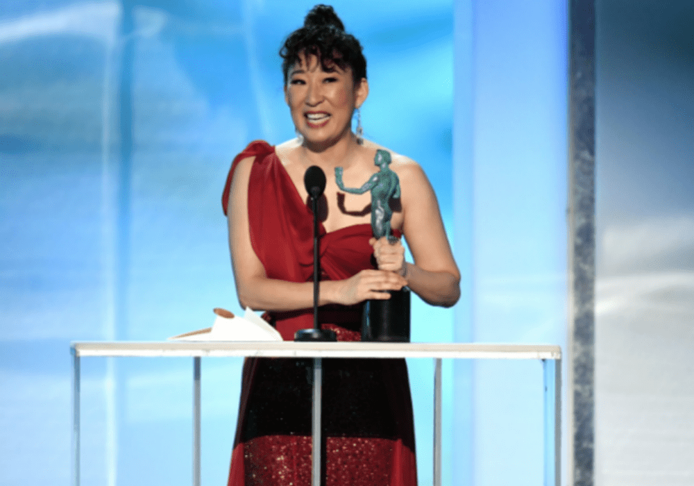 Sandra Oh Stuns in Red