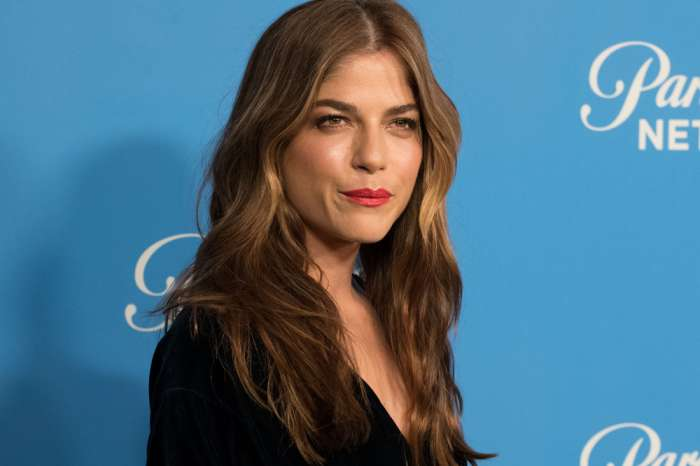 "Selma Blair Dishes On MS - ""I Choke With The Pain"""