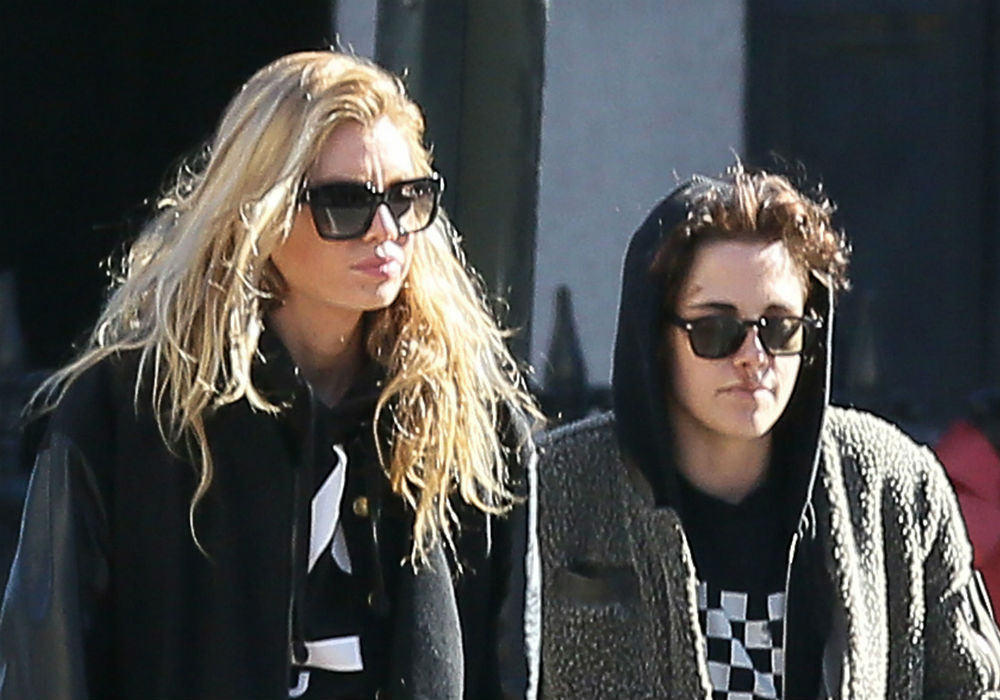 Stella Maxwell Reportedly Had No Idea Her Relationship With Kristen Stewart Was In Trouble