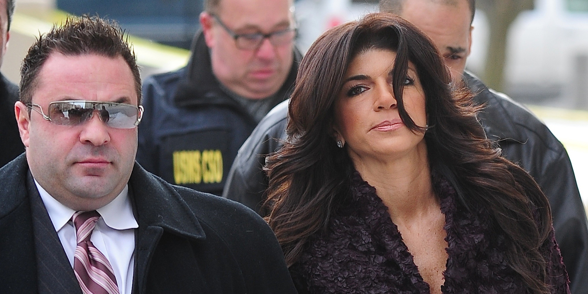 """teresa-giudice-still-cant-entirely-deal-with-joes-deportation-source-says"""
