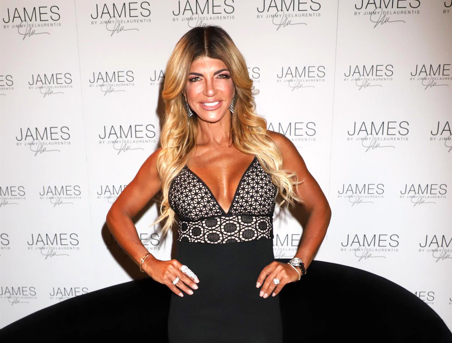 """teresa-giudice-obsessed-with-looking-young-and-hot-doesnt-care-about-looking-too-tan-after-criticism"""