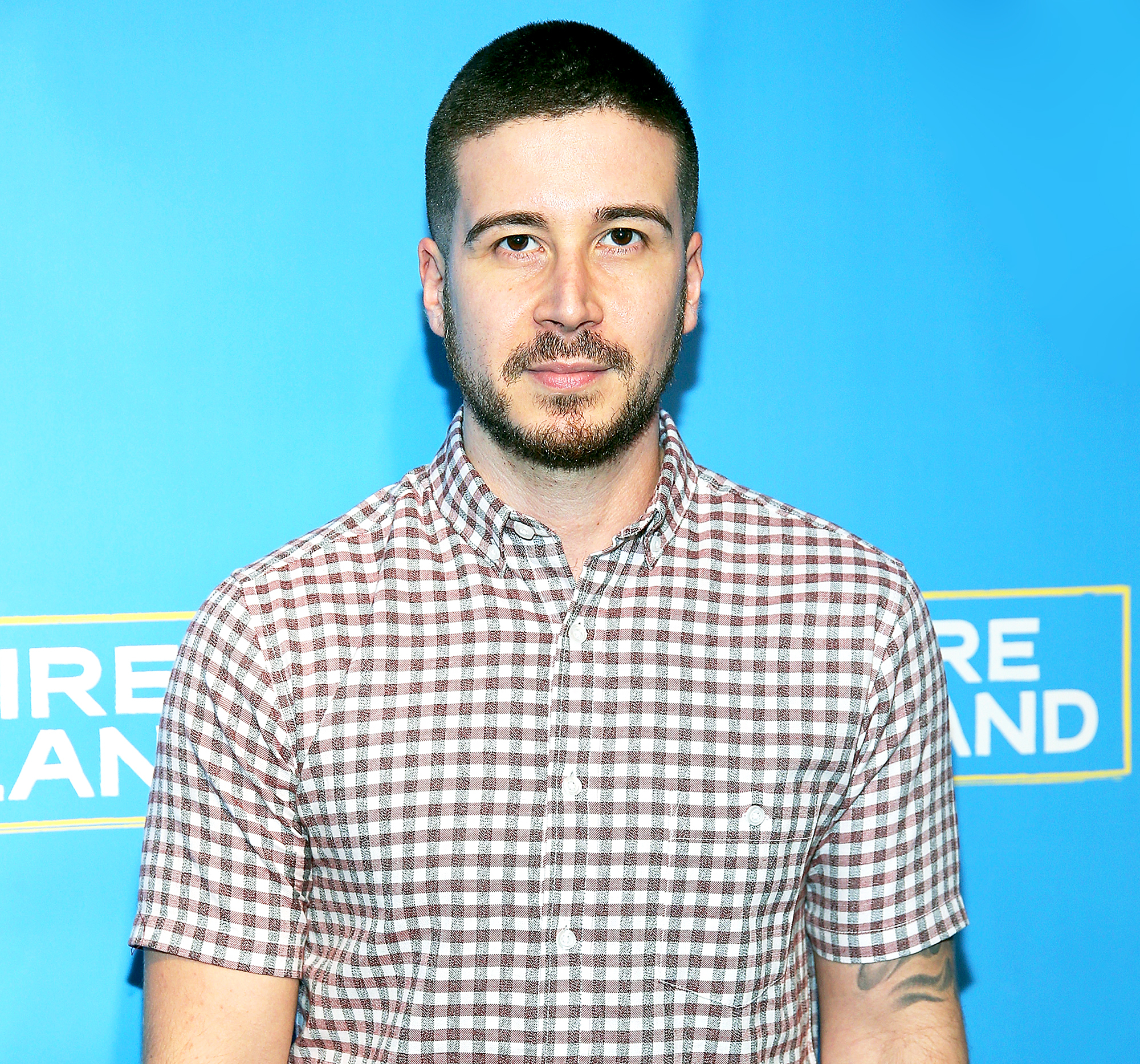 """jersey-shore-star-vinny-guadagnino-hilariously-slams-lindsay-lohan-after-she-snubs-him-at-mtv-party"""