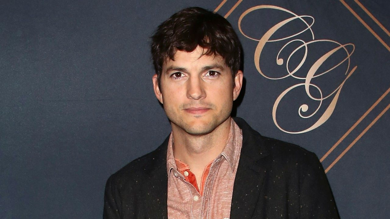 Why Ashton Kutcher tweeted and deleted his phone number