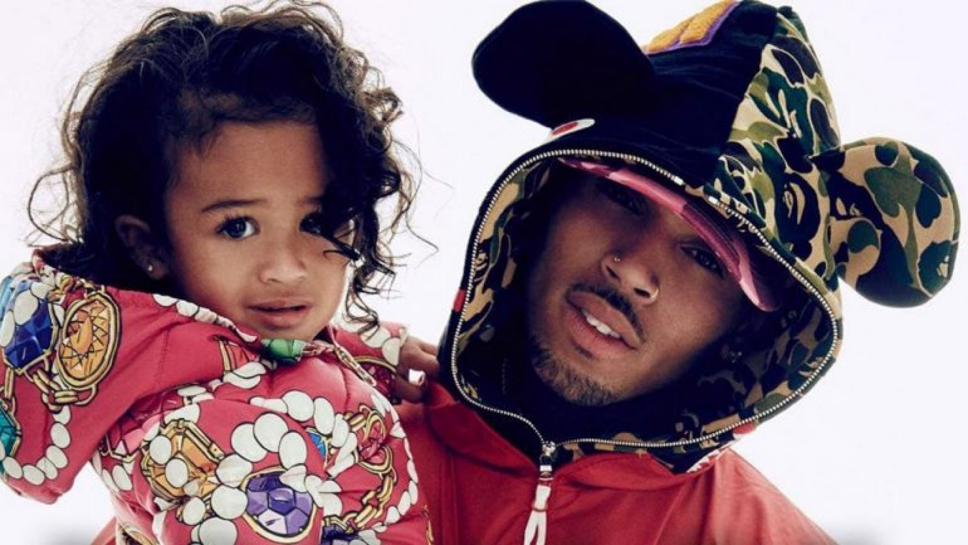 """chris-brown-posts-another-adorable-pic-of-royalty-during-father-daughter-movie-date"""