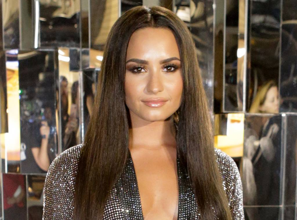 Demi Lovato Slams Instagram After Getting Fat-Shaming Ad ...
