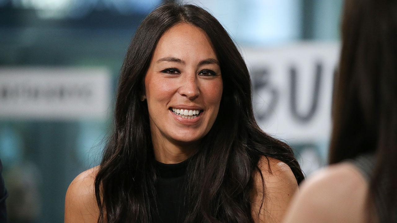 """""""joanna-gaines-gets-candid-about-the-pressures-of-social-media-that-she-fell-victim-to"""""""