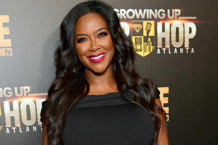 Kenya Moore's Body Is Goals In Pic With Her Baby Only Two Months After Giving Birth!