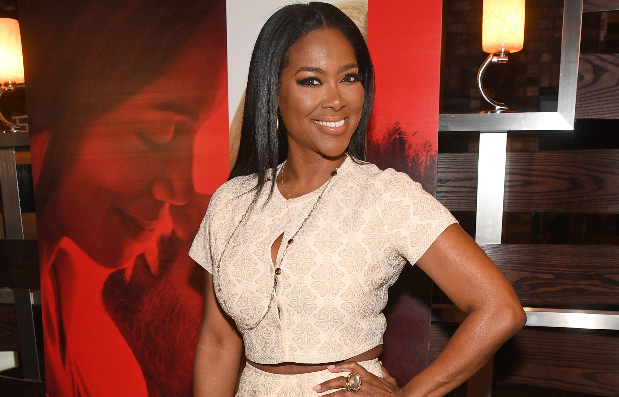 Kenya Moore Is In Full Mommy Mode, Strolling Into Brunch 'Like A Boss' - Fans Freak Out After Seeing Her Outfit