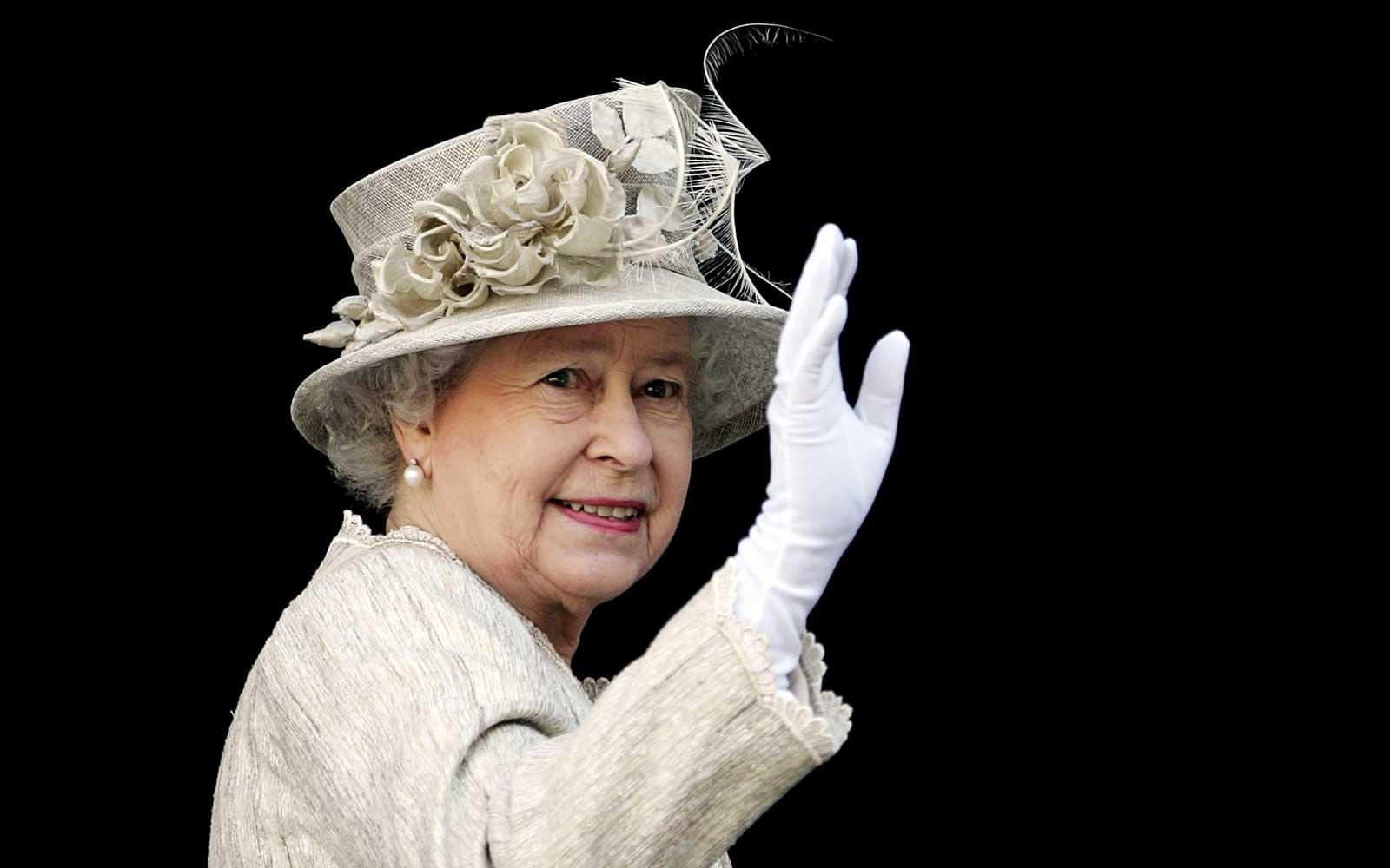 """""""queen-elizabeth-passes-away-at-92-ripqueenelizabeth-trends-on-twitter"""""""