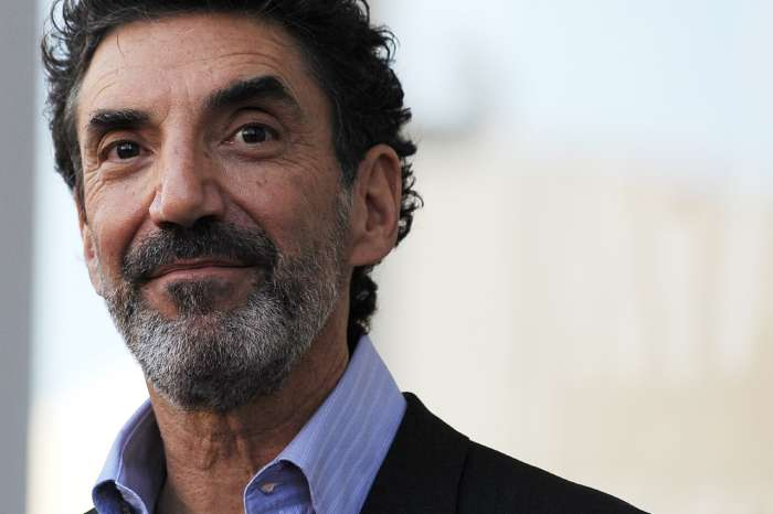 "Chuck Lorre Mocks Sarah Huckabee Sanders' Appearence In New ""Vanity Card"""