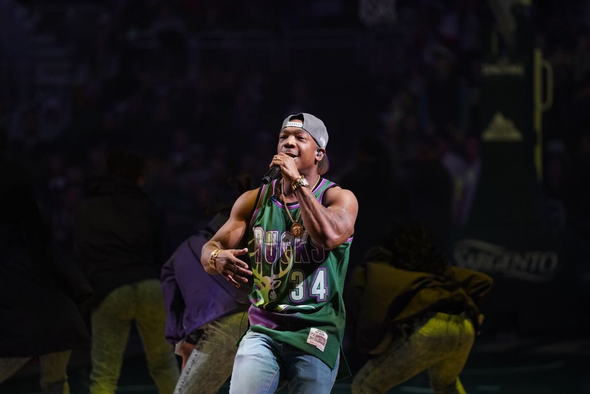"""""""ja-rule-places-a-30-year-curse-on-timberwolves-after-they-clown-him-for-awkward-halftime-performance"""""""