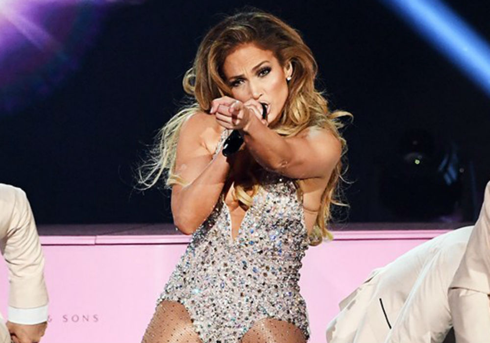 """jennifer-lopez-reportedly-threw-a-tantrum-backstage-ahead-of-her-controversial-grammys-performance"""