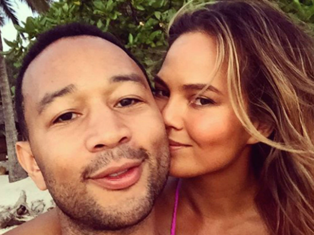 """chrissy-teigen-sends-john-legend-off-to-his-first-day-at-the-voice-in-hilarious-new-sneak-peek-video"""