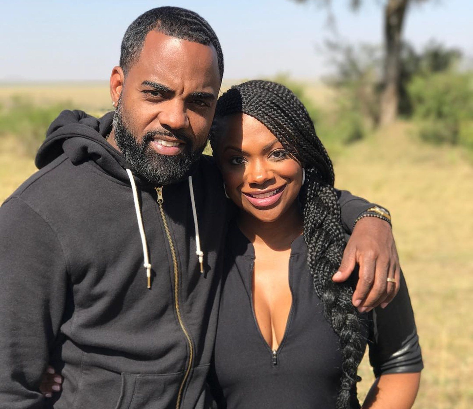Kandi Burruss' Husband, Todd Tucker Joins Her At The Rehearsal - See Him Stretching With The Performers And Check Out The Reason For Which Fans Are Laughing