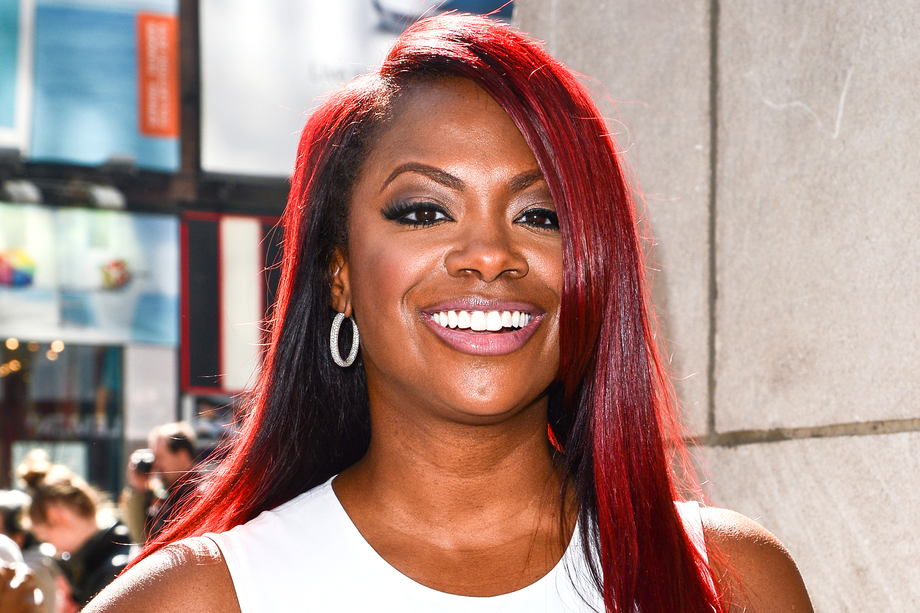 """kandi-burruss-latest-photo-with-riley-burruss-next-to-a-graphic-representation-of-snoop-dogg-has-fans-saying-she-should-collab-with-the-rapper"""