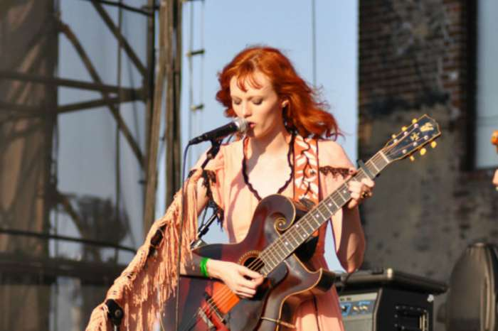 "Model Karen Elson Admits She Had ""Traumatizing Experience"" With Ryan Adams As Misconduct Claims Against Singer Grow"