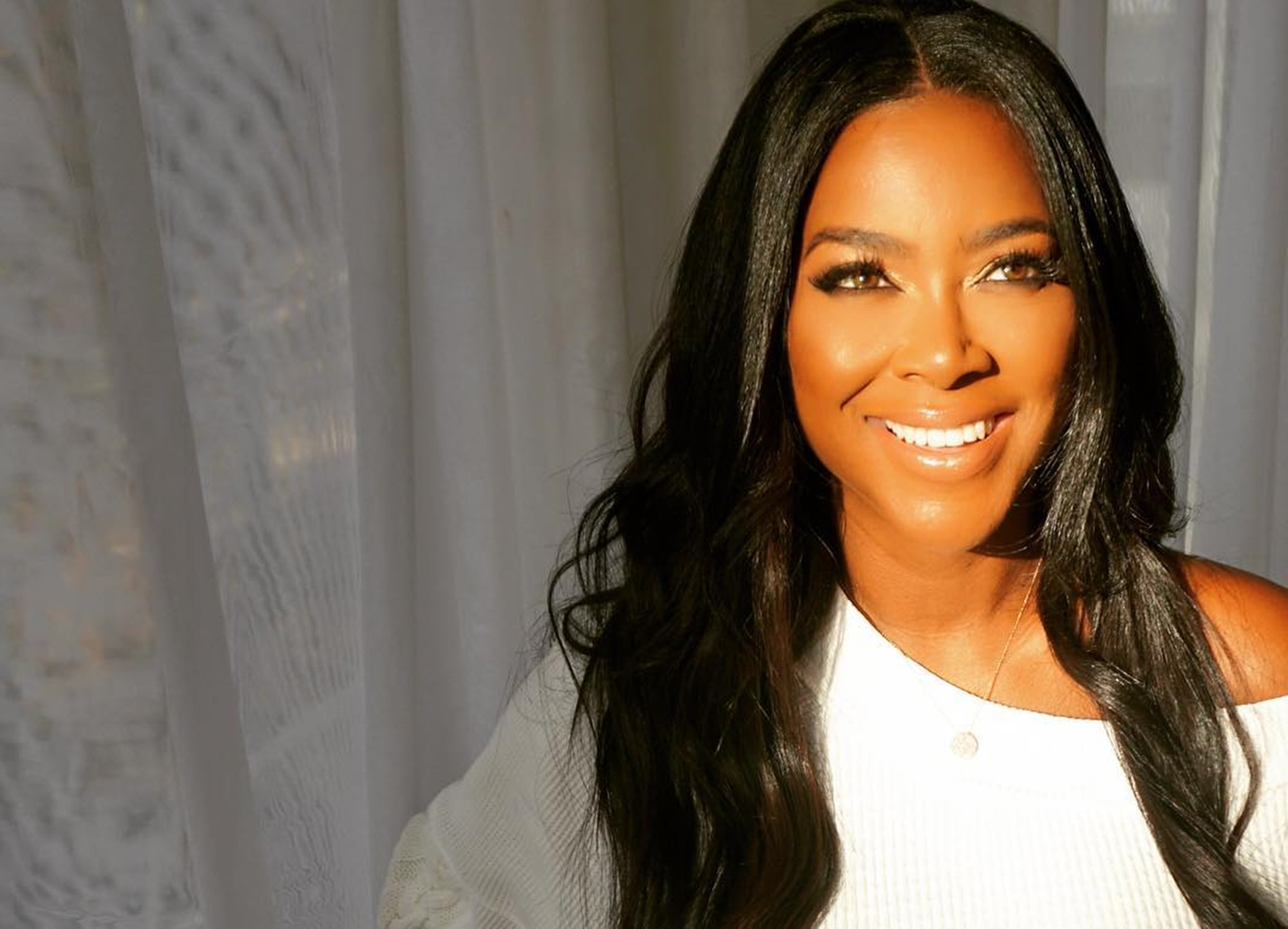 """kenya-moore-teases-fans-about-rumored-rhoa-return-my-motto-in-life-is-never-say-never"""