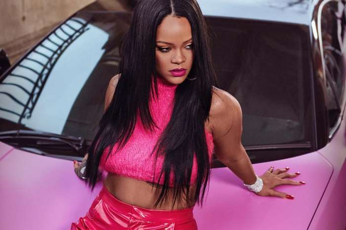 Rihanna Is Still Rooting For Chris Brown Amid Offset Feud