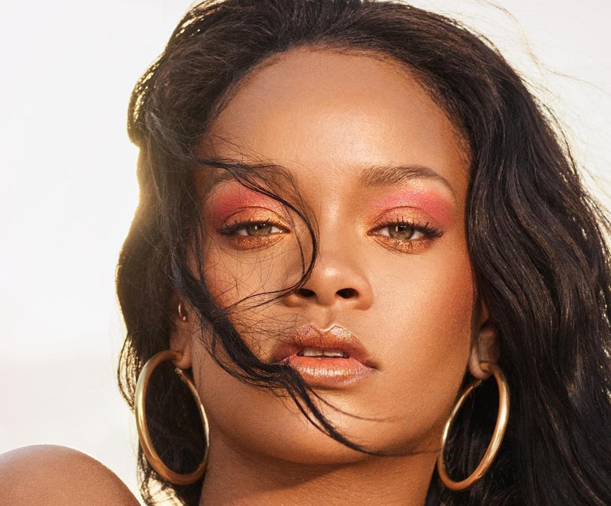 Rihanna First Class Super Bowl