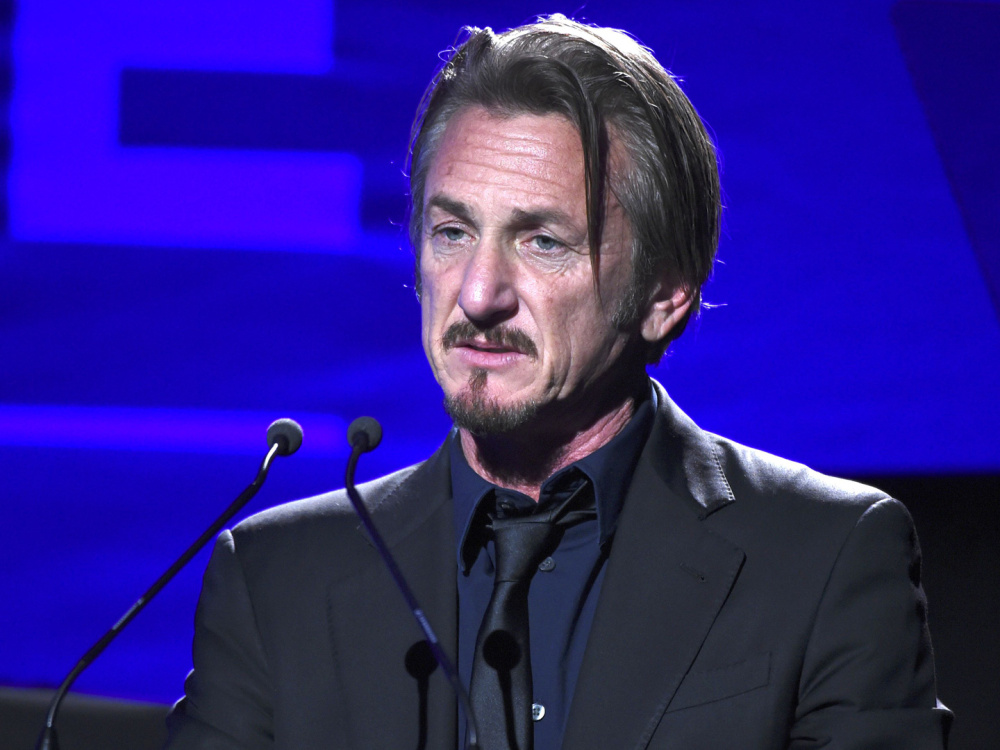"""sean-penn-writes-emotional-letter-in-support-of-a-star-is-born-says-it-should-earn-all-the-oscars"""