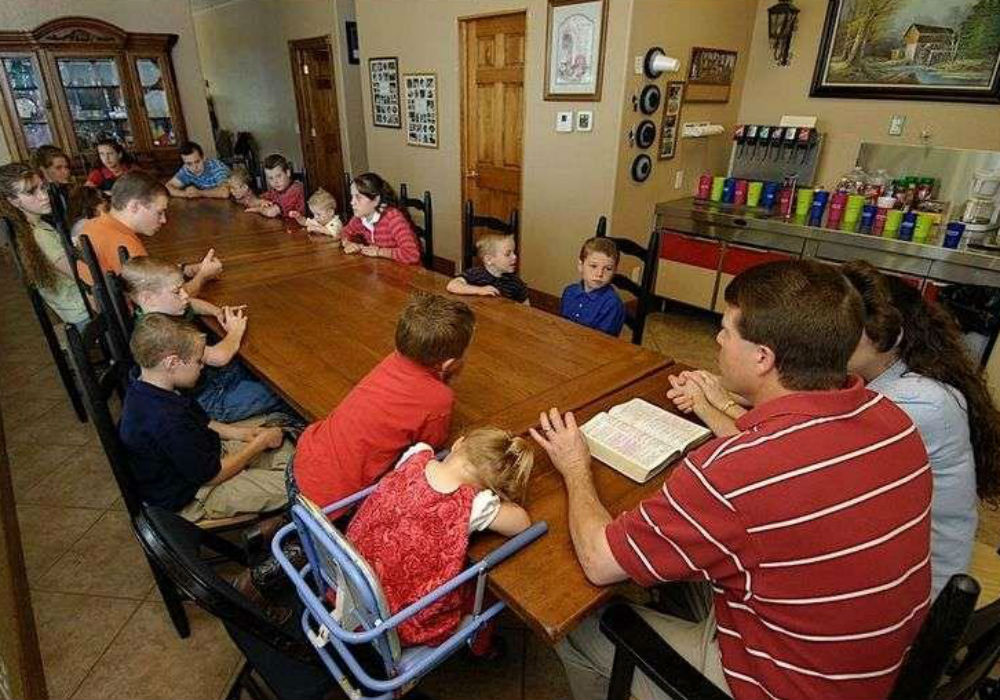 The Real Reason The Duggar Family Home Schools Their Children And Will All Of The Counting On Stars Follow Suit?