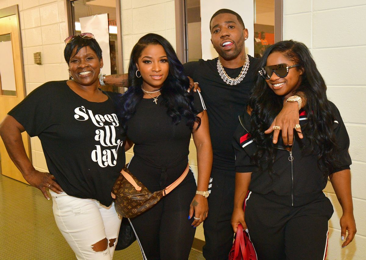 Toya Wright Defends Her Daughter Reginae Carter And Claps Back At Fan Who Tell Her She Needs Makeup