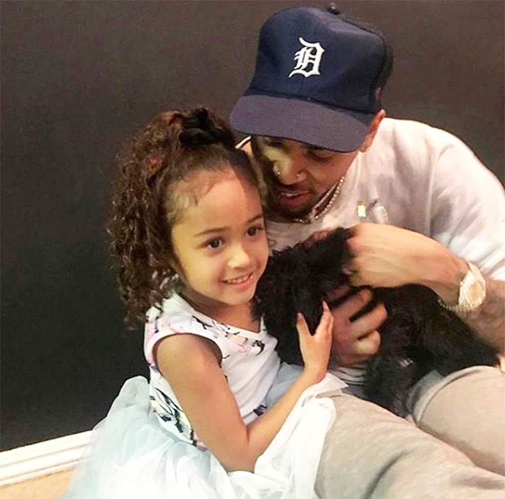 Chris Brown Posts A Short Clip In Which He's Twinning With His Daughter, Royalty And Fans Are Here For It