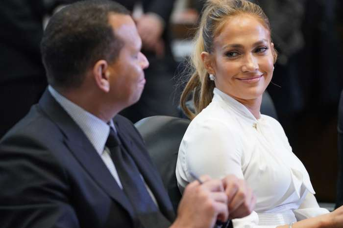 Jennifer Lopez Posts Adorable Tribute To Her Man Alex Rodriguez On Their Second Anniversary!