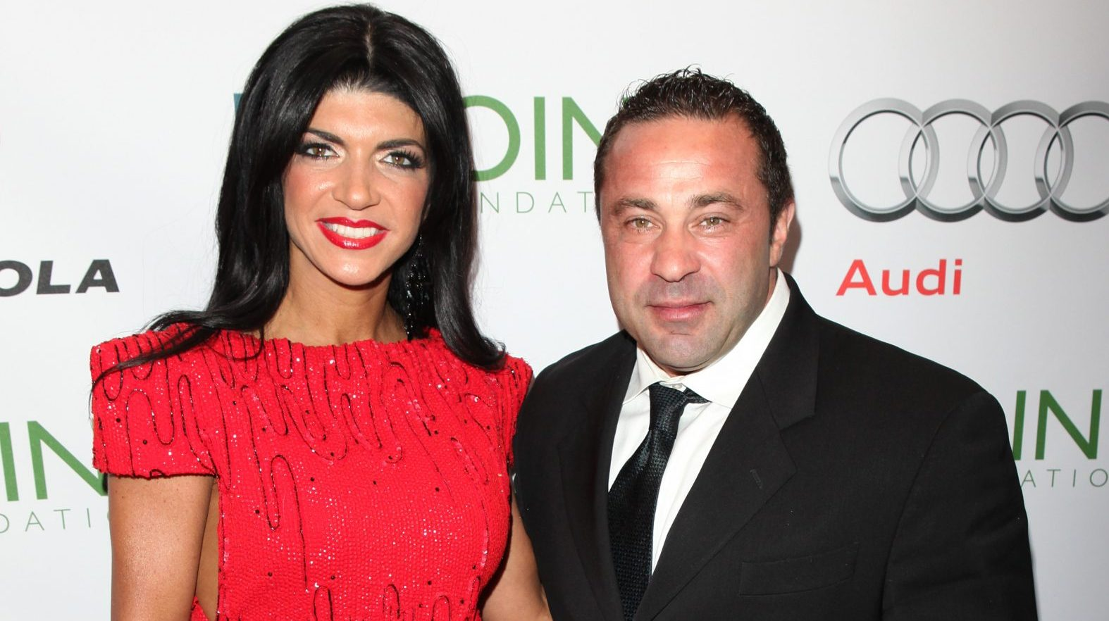"""teresa-giudice-thinks-theres-nothing-wrong-with-flirting-with-other-guys-while-hubby-joe-is-still-in-prison"""