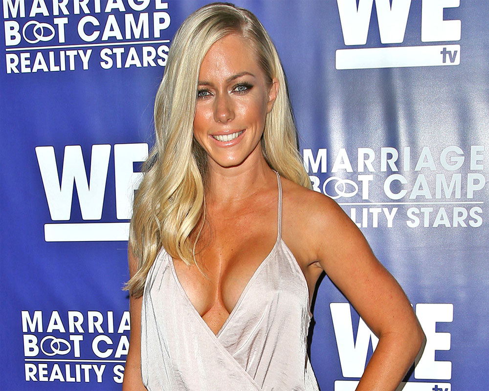 """kendra-wilkinson-tells-followers-that-her-depression-is-gone"""
