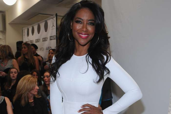 Kenya Moore's Fans Tell Her They've Boycotted RHOA This Season Because She's Not On The Show