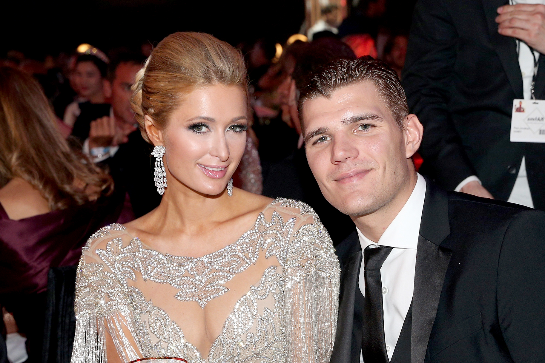 """paris-hiltons-ex-fiance-chris-zylka-suggests-they-might-reunite-we-still-love-each-other"""